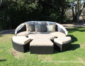Garden Patio Rattan Bed / All-Weather Resin Wicker Outdoor Daybed pictures & photos