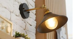 Antique Wall Lamp/Simple Wall Scone pictures & photos