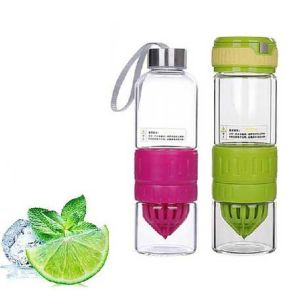 BPA-Free Glass Lemon Infusion Bottle with Circus Zinger pictures & photos