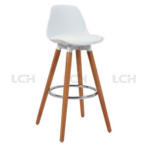 Modern PP Chair with Solidwood Legs for Bars and Counters