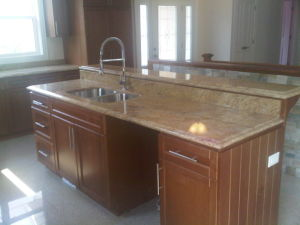 Solid Wood Base Kitchen Cabinets Kc-069 pictures & photos
