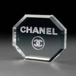 Crystal Glass Octagon Shape Paperweight-Free Engraving pictures & photos