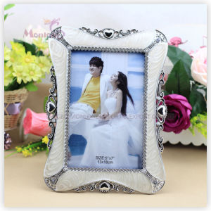 """Home Decoration Funny Plastic Love Photo Frame (5""""X7"""") pictures & photos"""