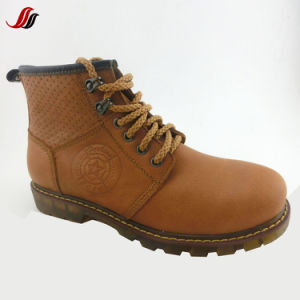 High Quality Winter Men′s MID-Cut Leather Shoes Leather Boots (FMF20) pictures & photos