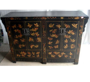 Antique Chinese Wooden Painted Sideboard (LWC249) pictures & photos