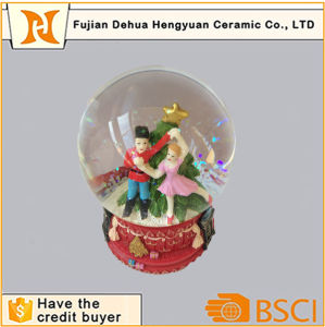 Water Globe Souvenir Wedding Dancing Couple Snow Globe pictures & photos