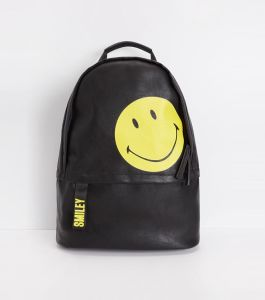 2017 Fashion Style Single Color PU School Backpack Smiling Face Lovely Travel Portable Bag Hcy-5040
