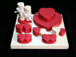 Red Heart Shape Jewelry Display Suit pictures & photos
