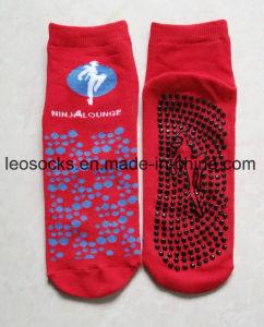 Indoor Trampoline Non Slip Socks Airline Socks Custom Cotton Trampoline Socks pictures & photos