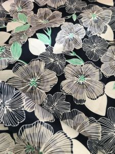 100% Polyester Flower Printing Fabric Peach Skin Fabric for Beach Short pictures & photos