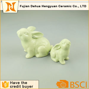 Handmade Green Easter Bunny Ceramic Easter Rabbit pictures & photos