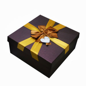 Custom Paper Gift Packaging Box with Silk Ribbon pictures & photos