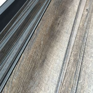 Saw Cutting PVC Luxury Vinyl Flooring Tiles / Planks pictures & photos