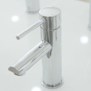 Watermark and Wels Approval Brass Round Basin Mixer/Basin Tap pictures & photos