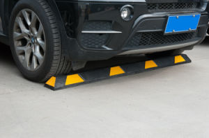 183cm Car Parking Stops with Yellow Reflector pictures & photos