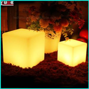 Illuminated Polyethylene Outdoor Cube Stools or Tables pictures & photos