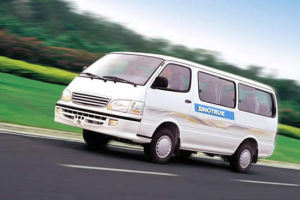 Hot Sale Haice Model Van of 14 Seats pictures & photos