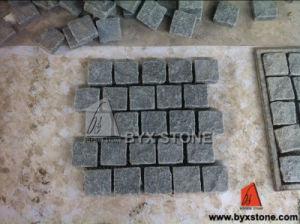 G654 Dark Grey Granite Garden Paving Stone/Cobblestone on Mesh pictures & photos