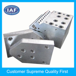 Best Selling 1350mm PP PE Material Extrusion Mould Plastic Machine pictures & photos