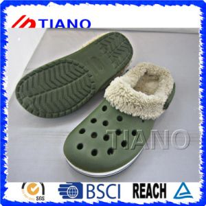 Warm Winter Wholesale Men Clogs (TNK40070) pictures & photos