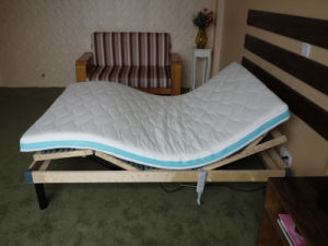 4 Zones Birch Wooden Slat Electric Bed pictures & photos