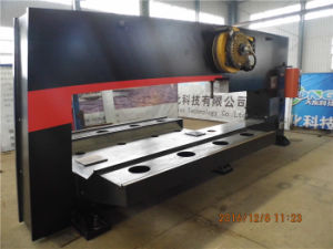 CNC Punch Press/CNC Power Press/ Automatic Power Press Machine pictures & photos