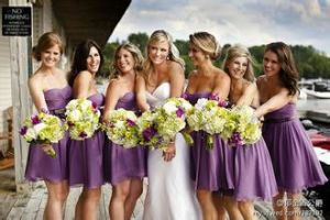 Mix Style Sleeveless Puffy Sash Short Cheap Bridesmaid Dress pictures & photos
