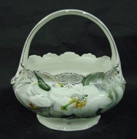 New Bone China Basket with Golden Decals pictures & photos