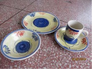Beautiful Hand Drawn Ceramic Dinnerset pictures & photos