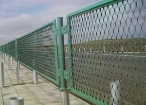 PVC Coated Expanded Wire Mesh Fence pictures & photos
