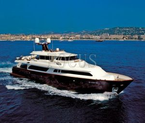 Luxury Yacht (206)