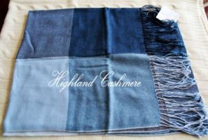 Worsted Cashmere Shawl with Big Checks pictures & photos