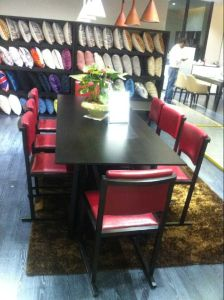 Restaurant Furniture/Hotel Furniture/Restaurant Chair/Dining Furniture Sets/Restaurant Furniture Sets/Solid Wood Chair (GLSC-000100) pictures & photos