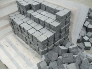 Natural Black Basalt/Slate/Tumbled/Sandstone/Porphyr/Granite Stone Pavement/ Cubes/Blind/Paver Stone/Paving Stone pictures & photos