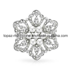 Newest Flower Shape Rhinestone Brooch for Ladies Dress (TB-031) pictures & photos