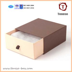 Customed Gift Packaging Box for Clothing /Apparel / Scarves pictures & photos