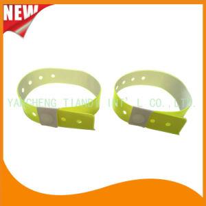 High Quality Entertainment ID Bracelets Vinyl Plastic Wristbands (E6070-20-6) pictures & photos