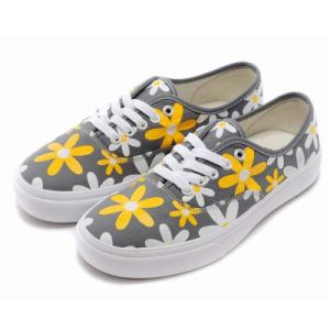 Fashion Design Yellow Floral Espadrilles Canvas Shoes for Male/Femal pictures & photos