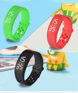 Sports Bluetooth Pedometer with IP67 Waterproof