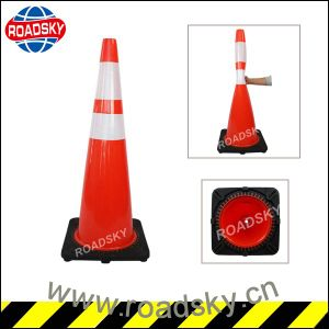 Discount Cheap Big 28inches 750mm PVC Traffic Cone pictures & photos