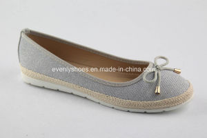 Casual Style Lady Ballet Shoes with Bowknot Decoration pictures & photos