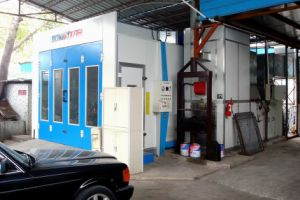 Small Spray Booth Full Downdraft Industrial Paint Booth pictures & photos