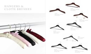 Hotel Luxury Suit Wooden Hangers with Bar pictures & photos