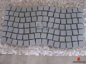 G654 China Dark Grey Granite Cobblestone with Net / on Mesh pictures & photos