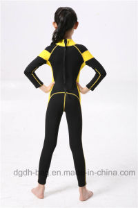 Neoprene Diving and Surfing Wetsuit for Children pictures & photos