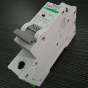 1p DC Mini Circuit Breaker Non Polarized DC Breaker with TUV Certificates From 1A to 63A pictures & photos