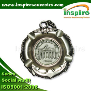 Berlin Engraved Metal Ashtray for Souvenirs pictures & photos
