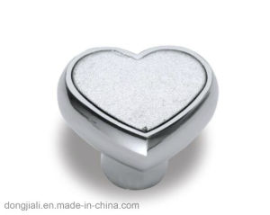 Heart-Shaped Cabinet Handle & Furniture Accessories pictures & photos