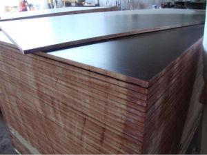 Phenolic Glue Hardwood Core Black Film Face Plywood pictures & photos