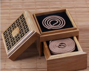 Wooden Cosmetics Suitcase with Handle pictures & photos